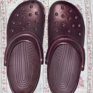 M8 W11 Burgundy Crocs NEVER WORN